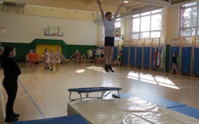 Polfinale državnega prvenstva v skokih z male prožne ponjave